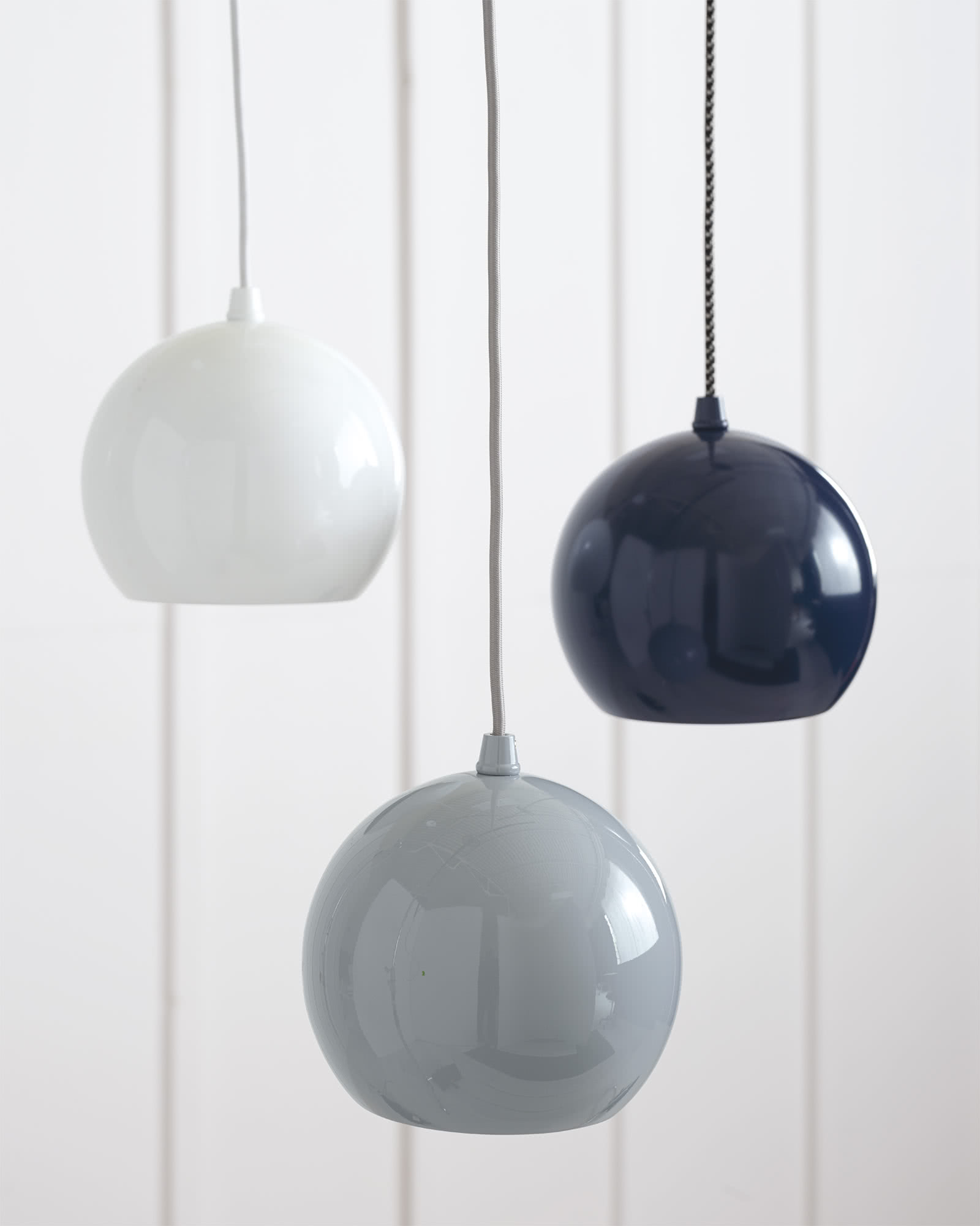 Reed Painted Metal Pendant - Navy