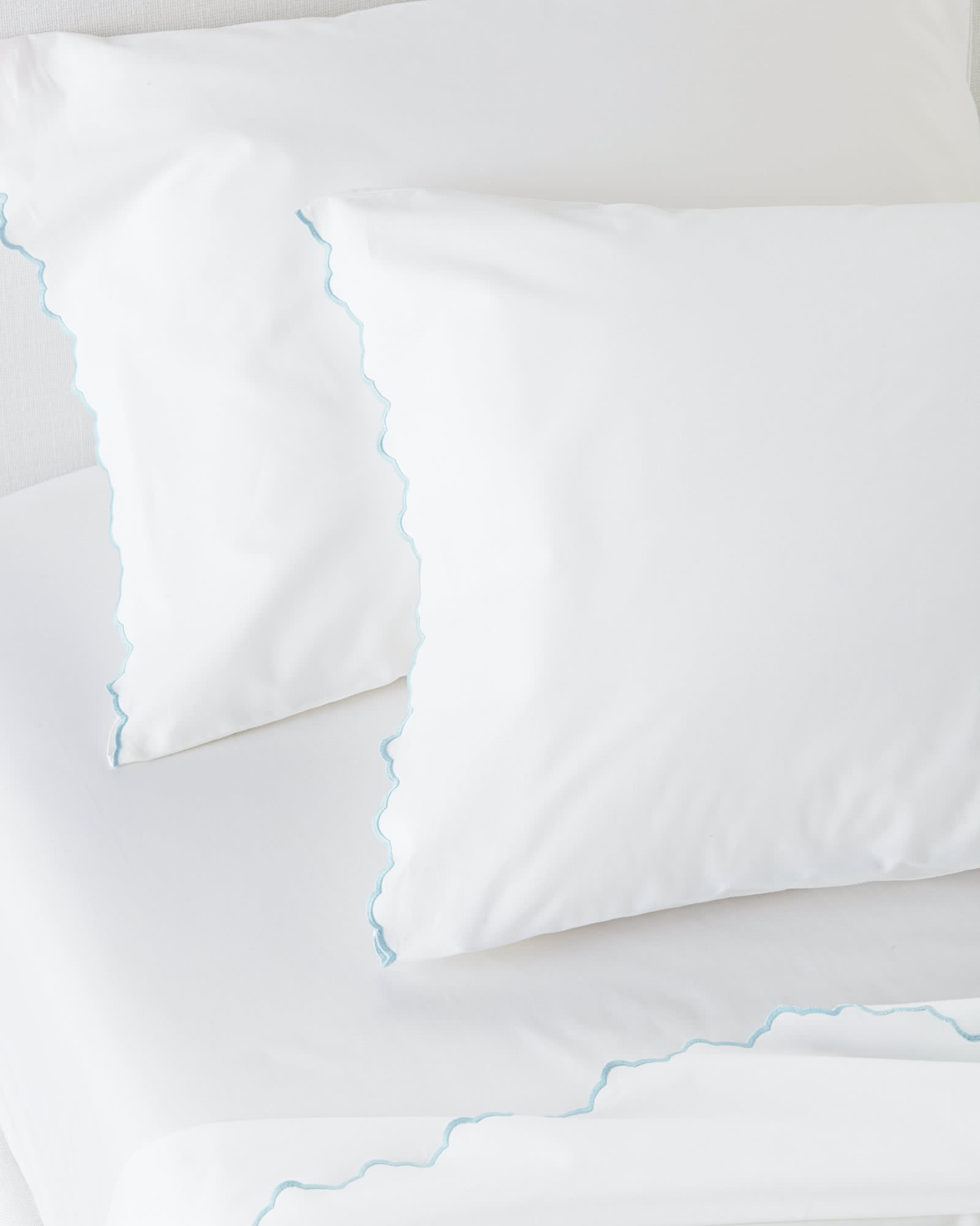 Scallop Embroidered Sheet Set