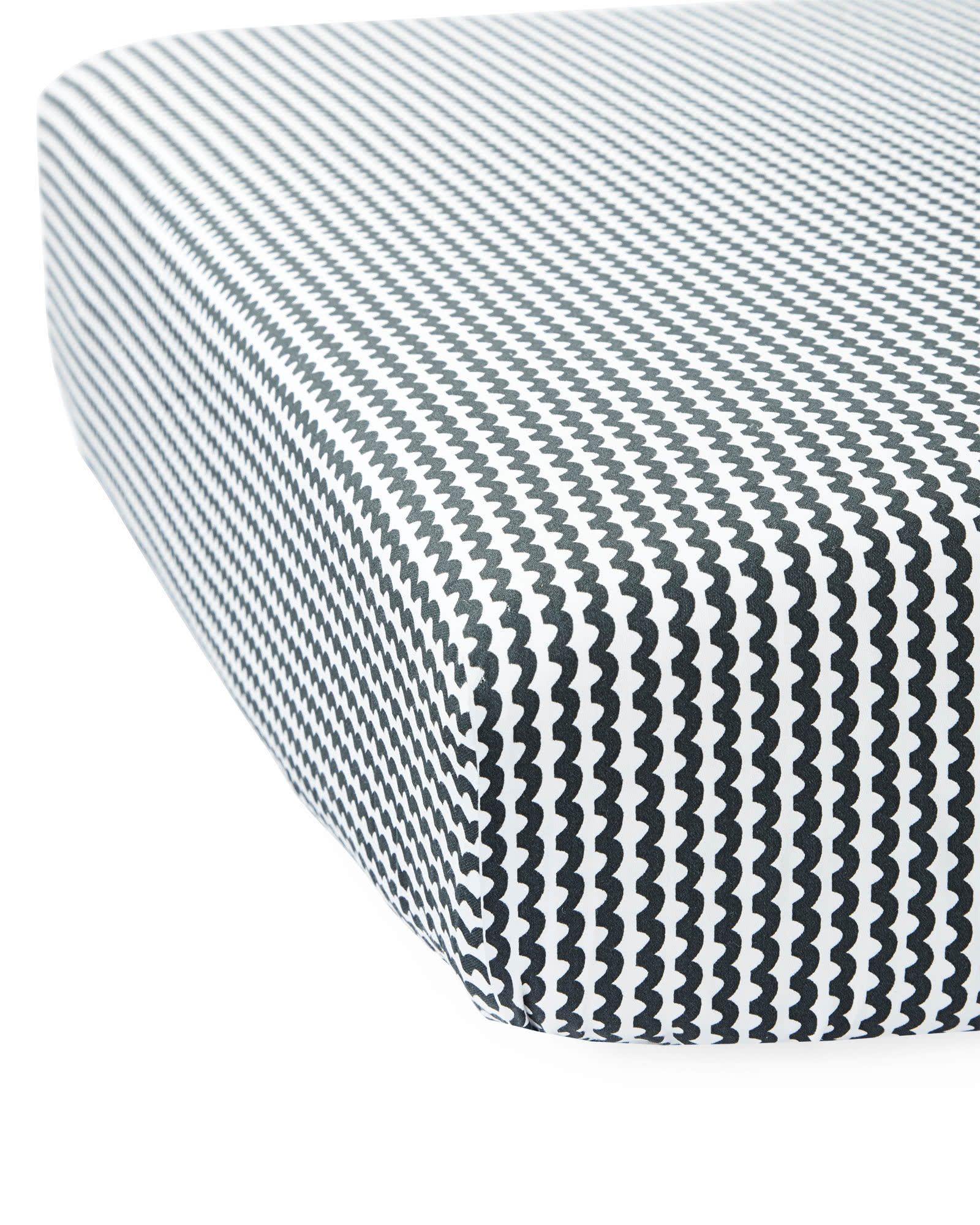 ist223 crib sheet Бесплатная доставка peanuts organic crib fitted sheet crib fitted sheet has elastic around the top and bottom only (rather than the entire edge) for added safety pottery barn kids.
