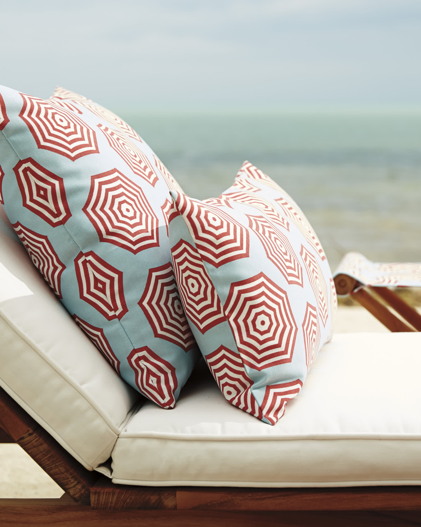 Sol Outdoor Pillow Cover