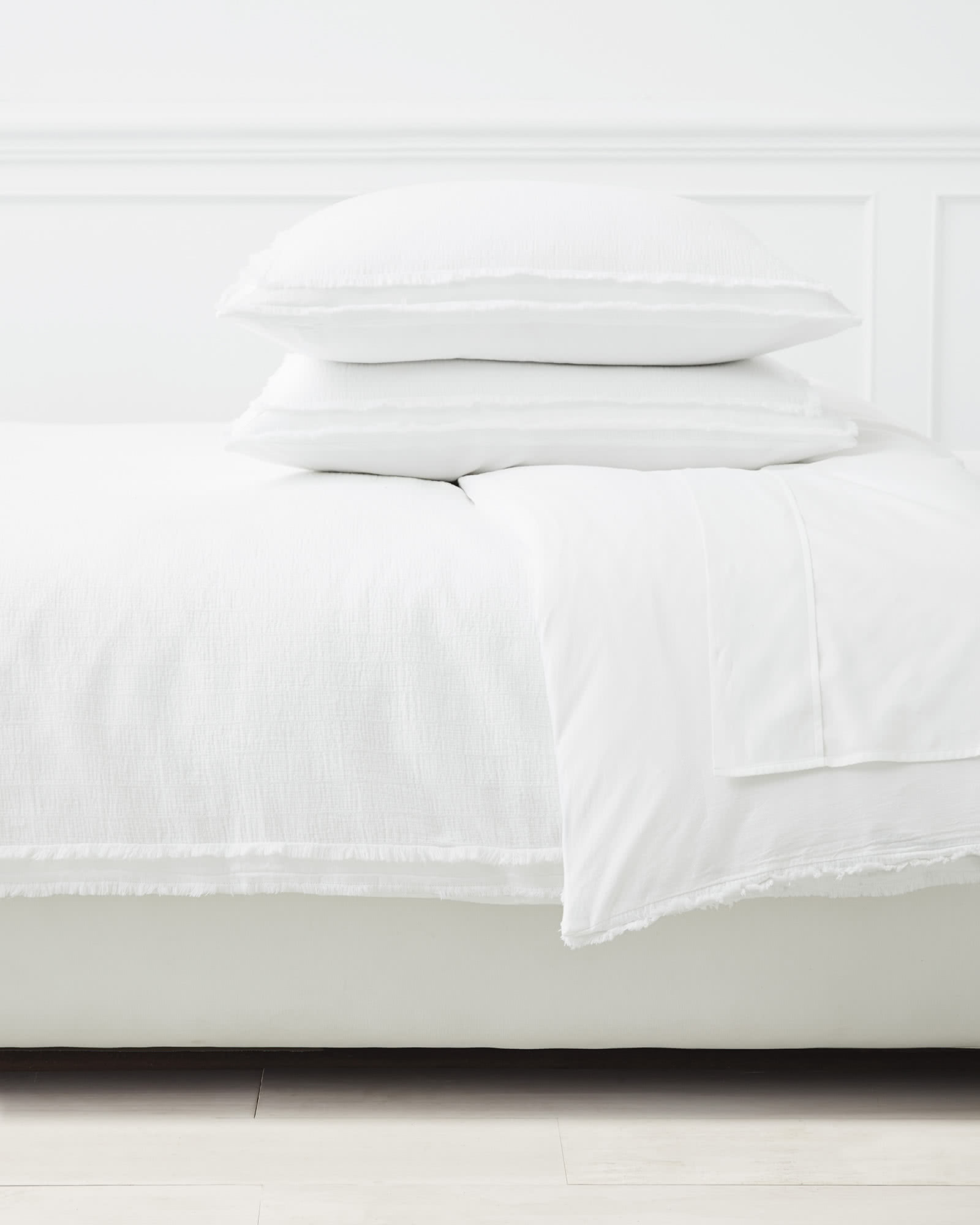 Mar Vista Matelassé Duvet Cover