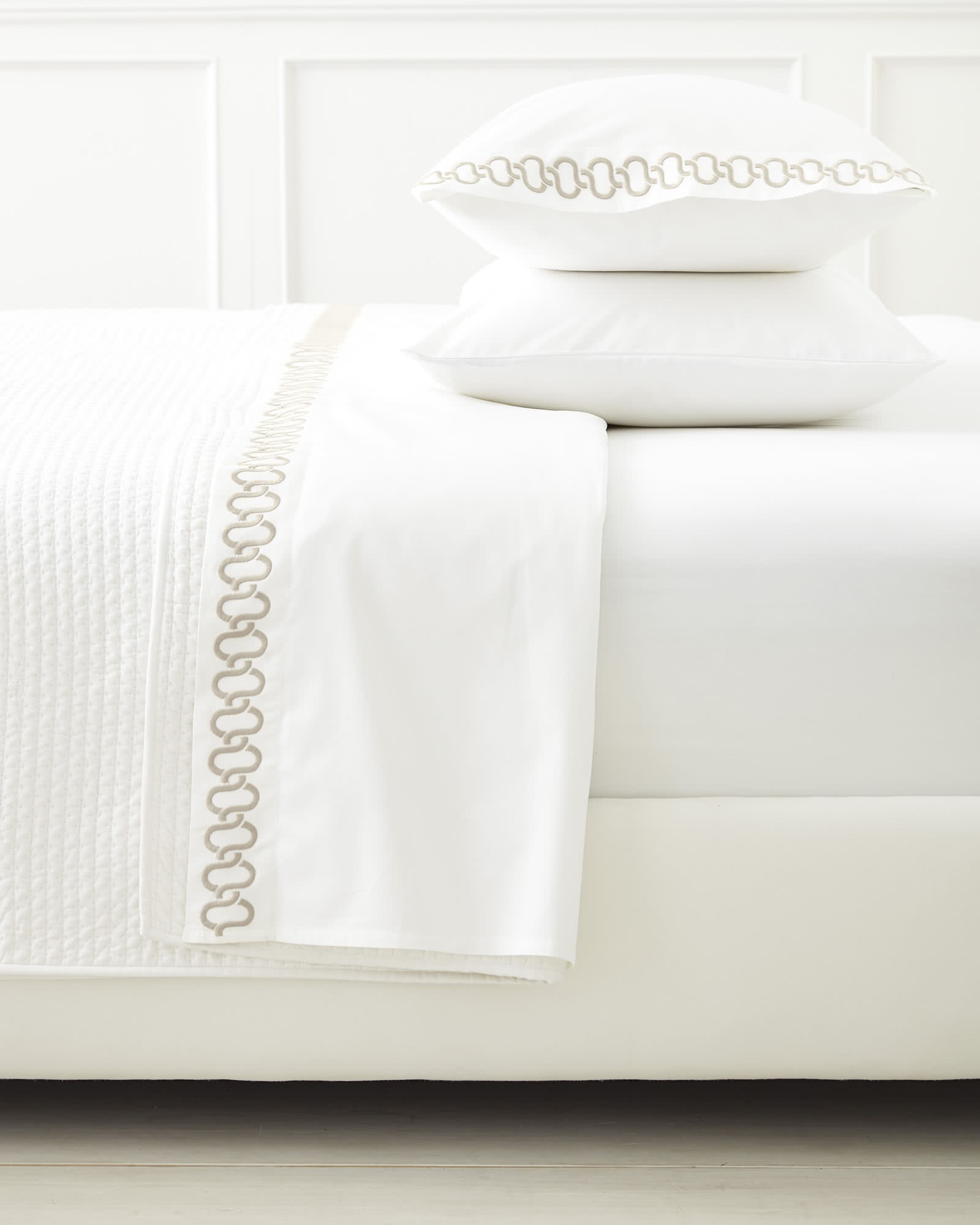 Savoy Embroidered Sheet Set, Sand