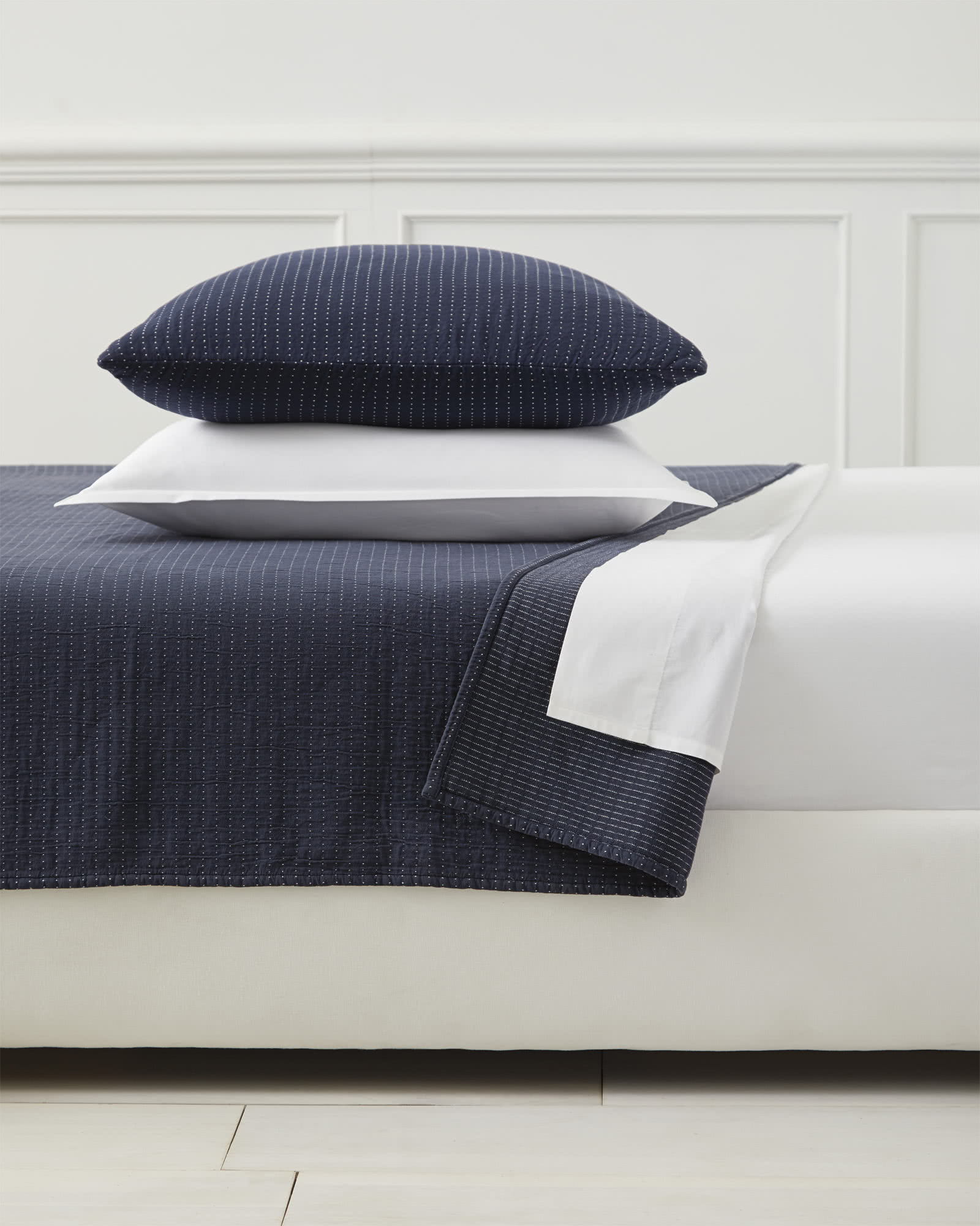 Pickstitch Matelassé Coverlet, Navy