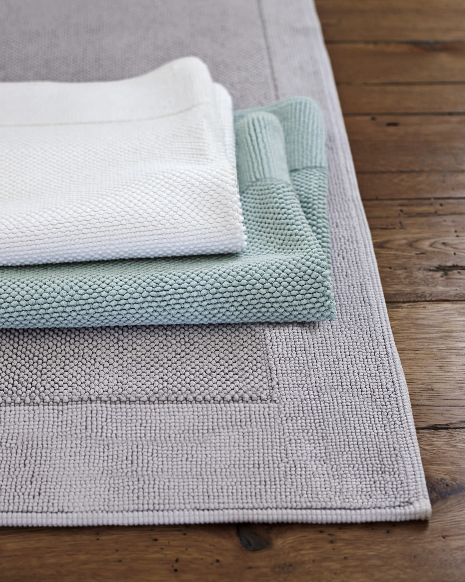Textured Cotton Bath Mat