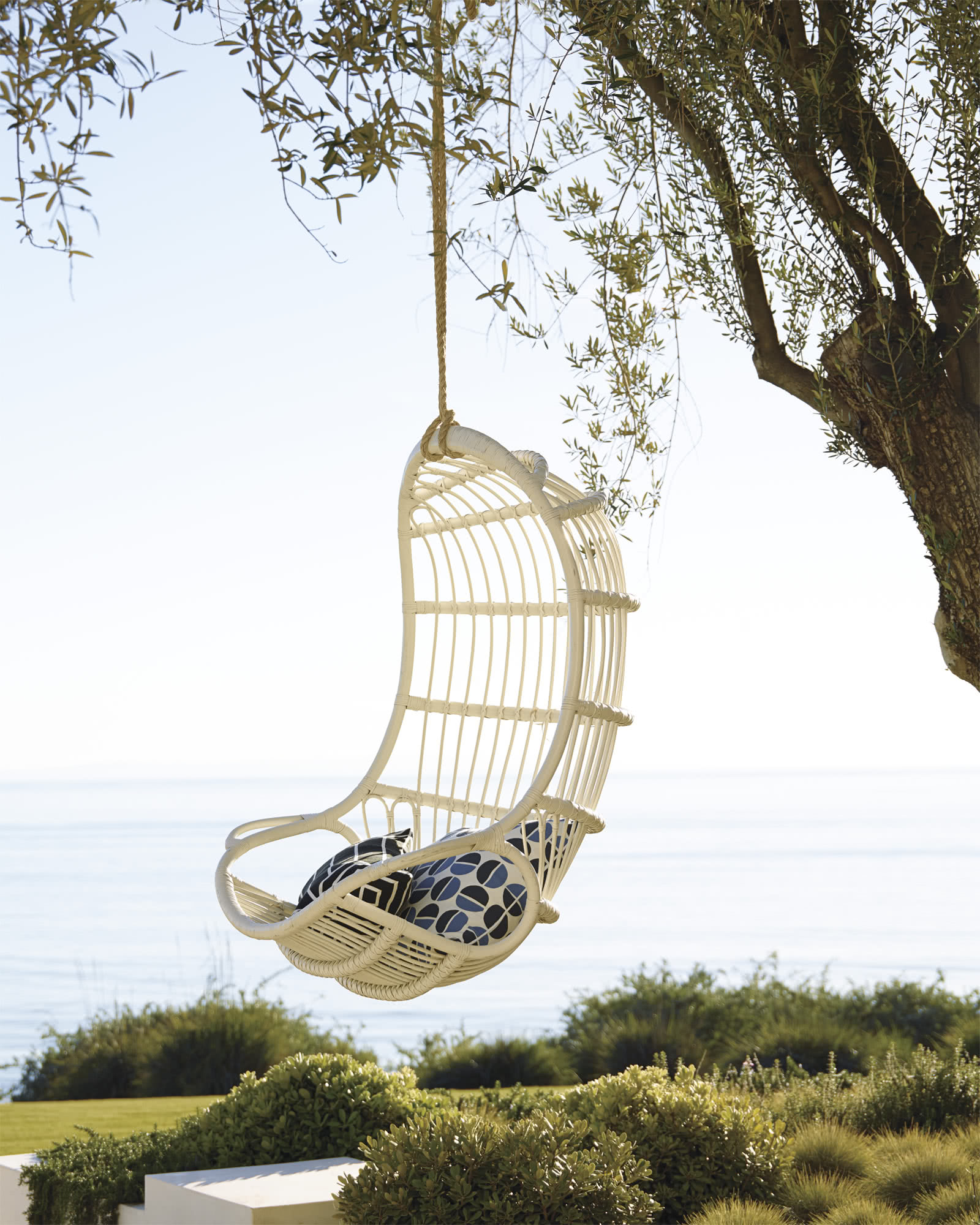 Hanging Rattan Chair, White