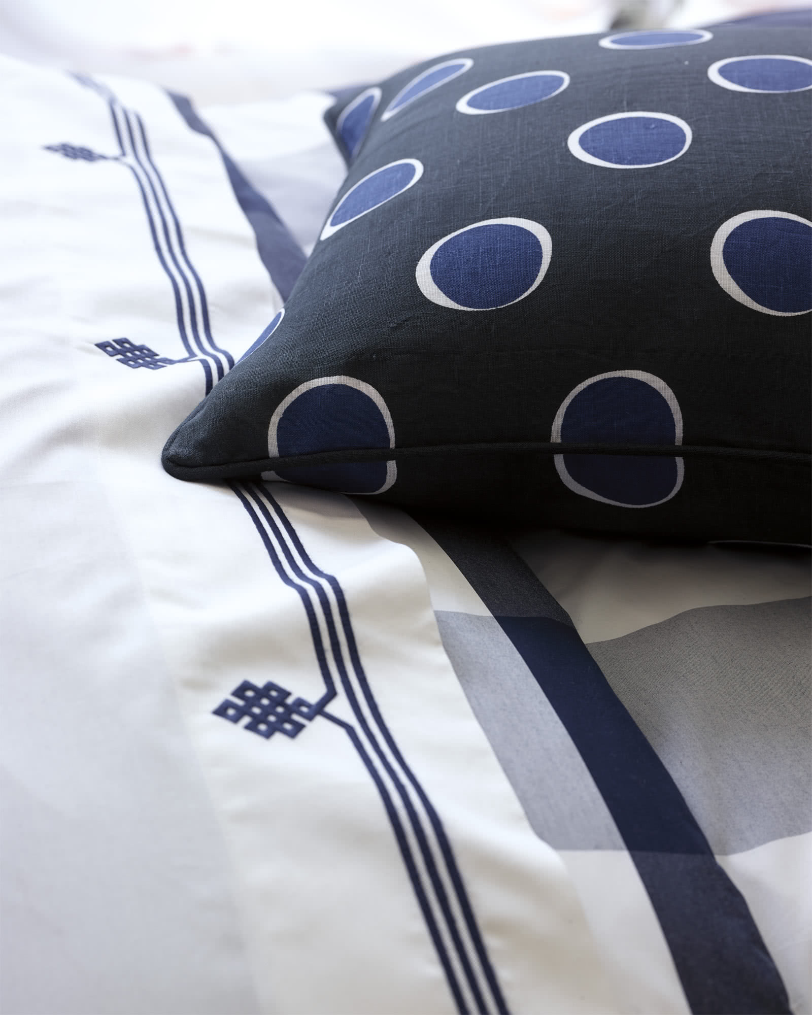 Gobi Embroidered Sheet Set, Navy