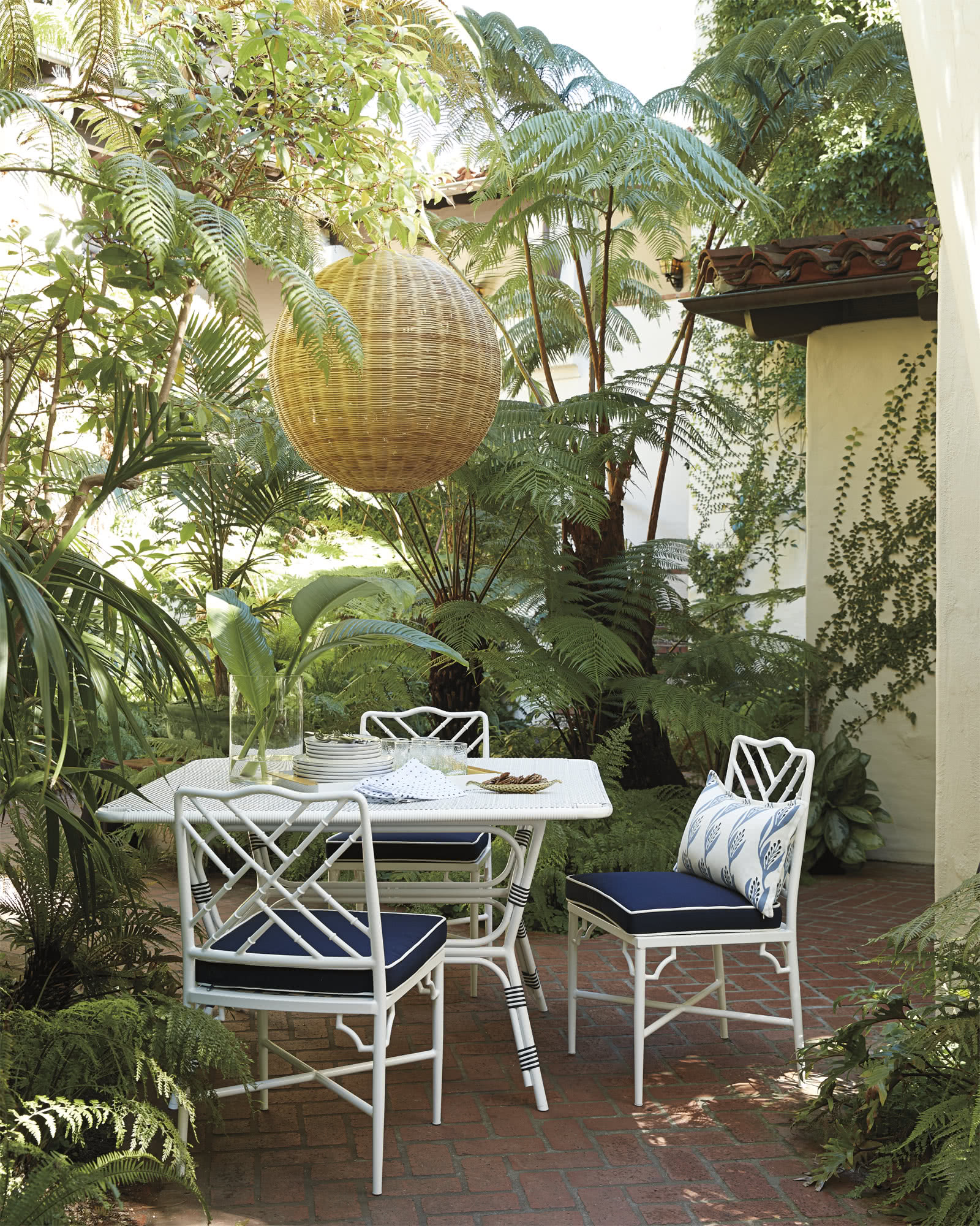 Outdoor Riviera Square Dining Table,