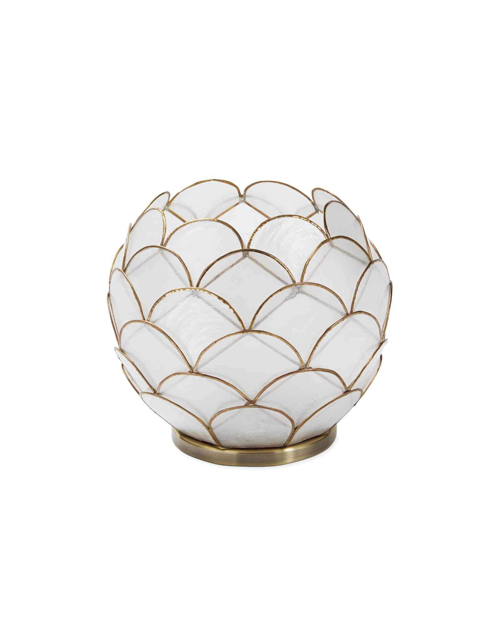 Scalloped Capiz Hurricane - Round,