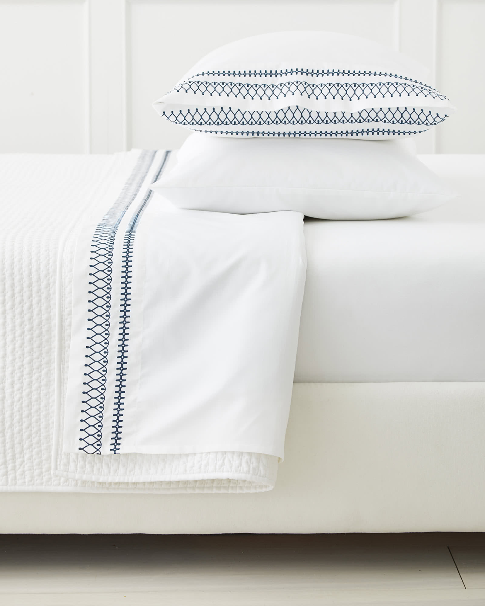 Laurel Sheet Set