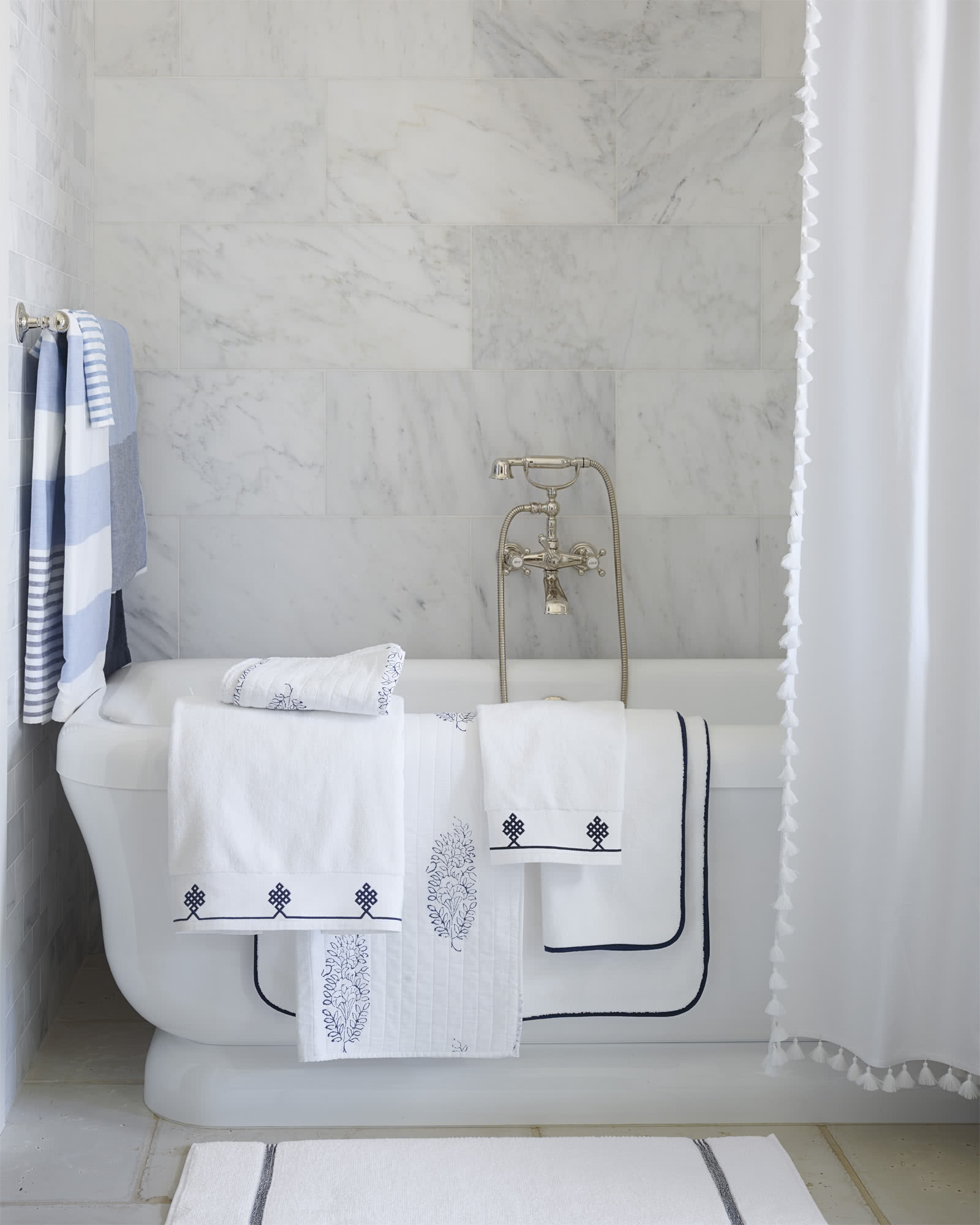 Banded Border Bath Collection,