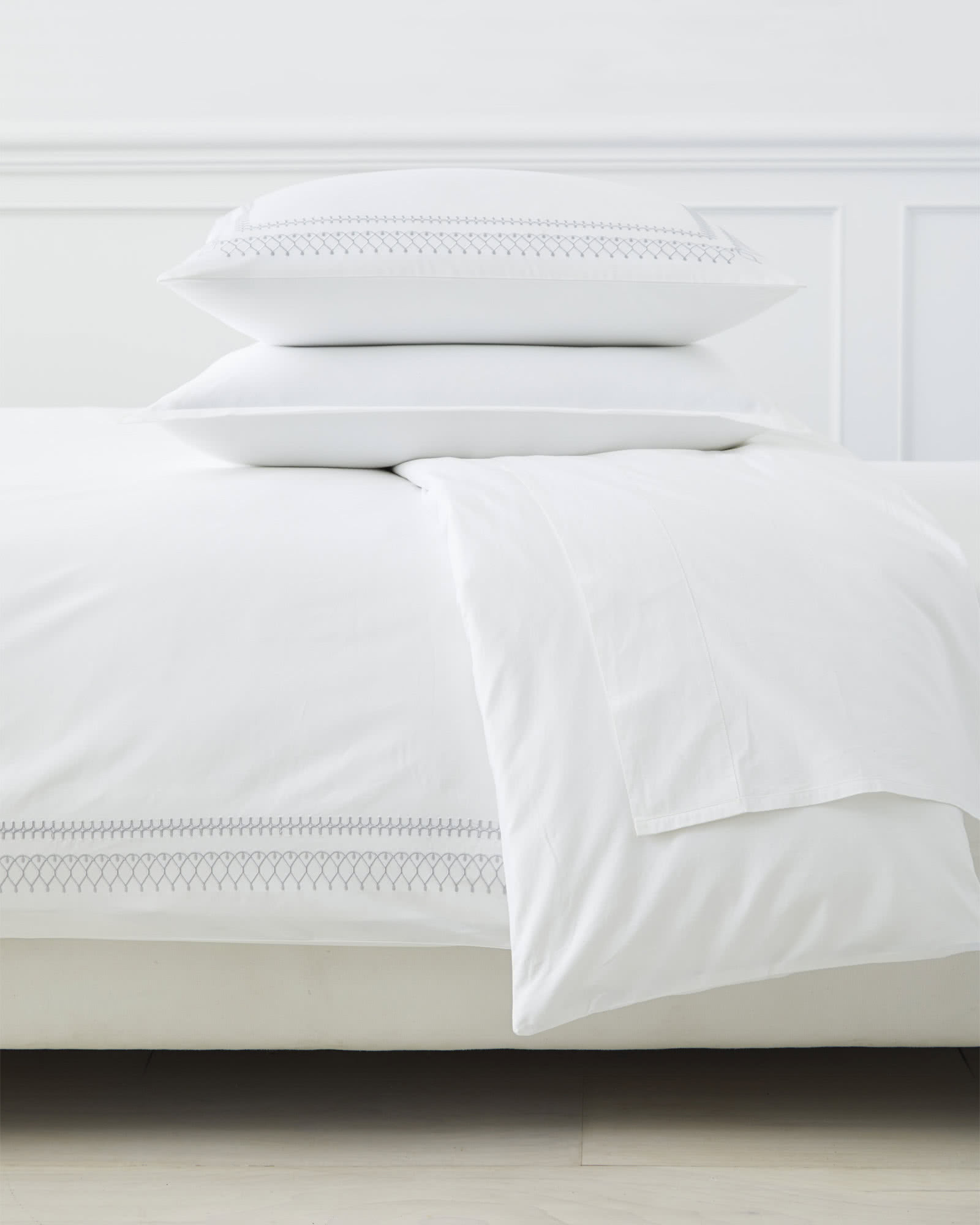 Laurel Duvet Cover, Fog