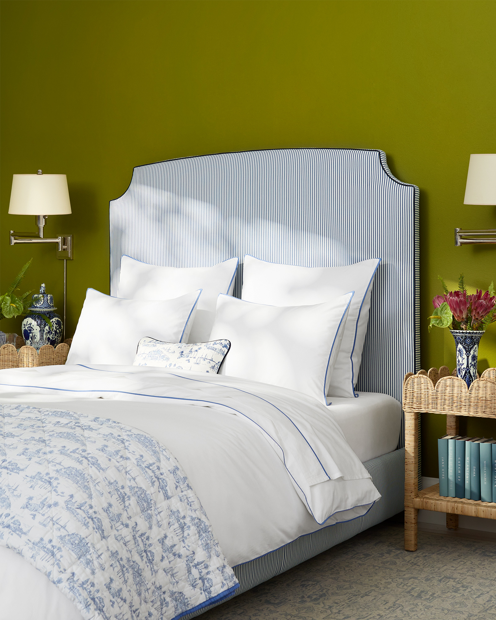Tall Fillmore Bed,