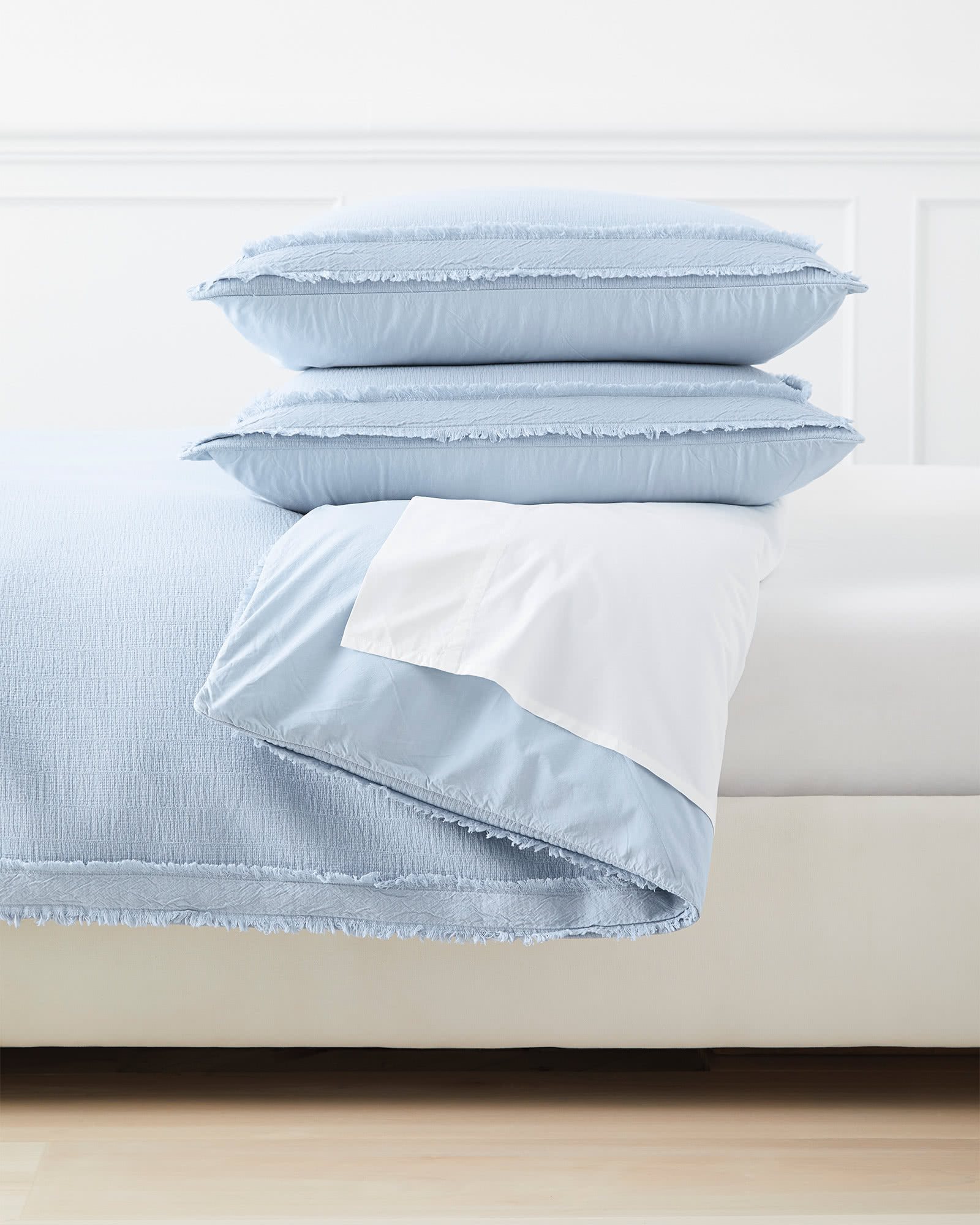 Mar Vista Matelassé Duvet Cover, Coastal Blue