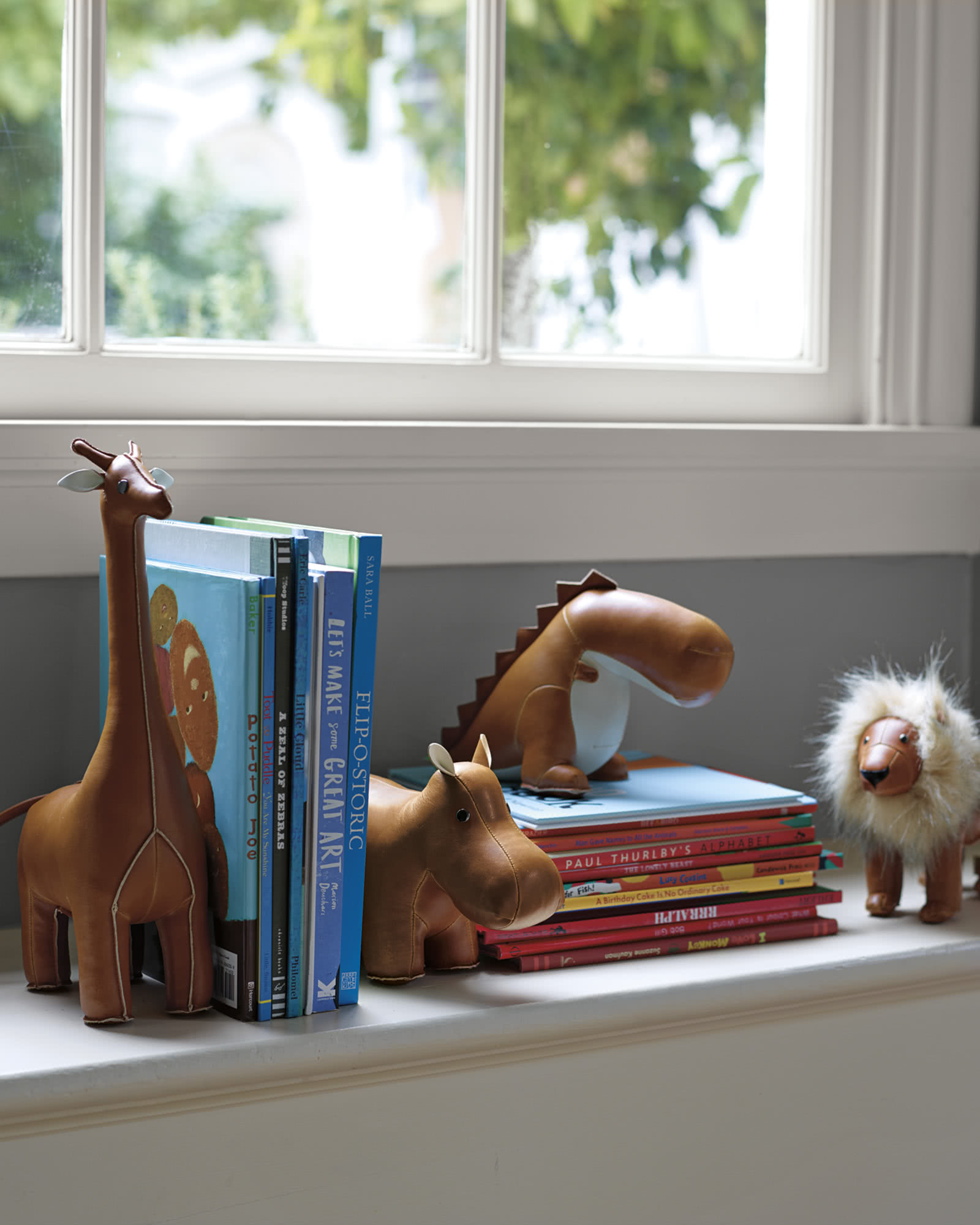 Menagerie Bookend - Brown Lion,