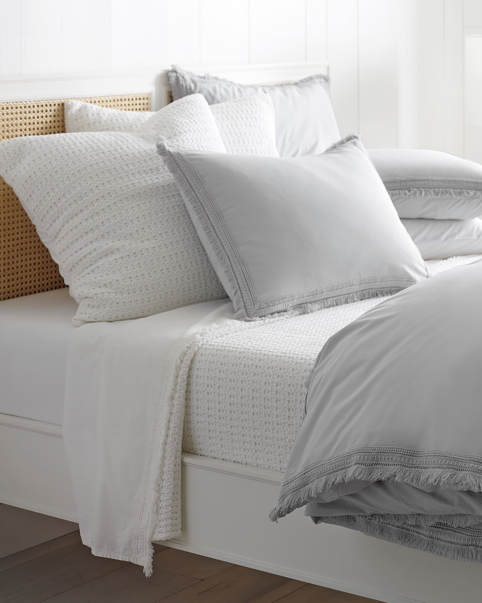 Harbour Cane Bed, White