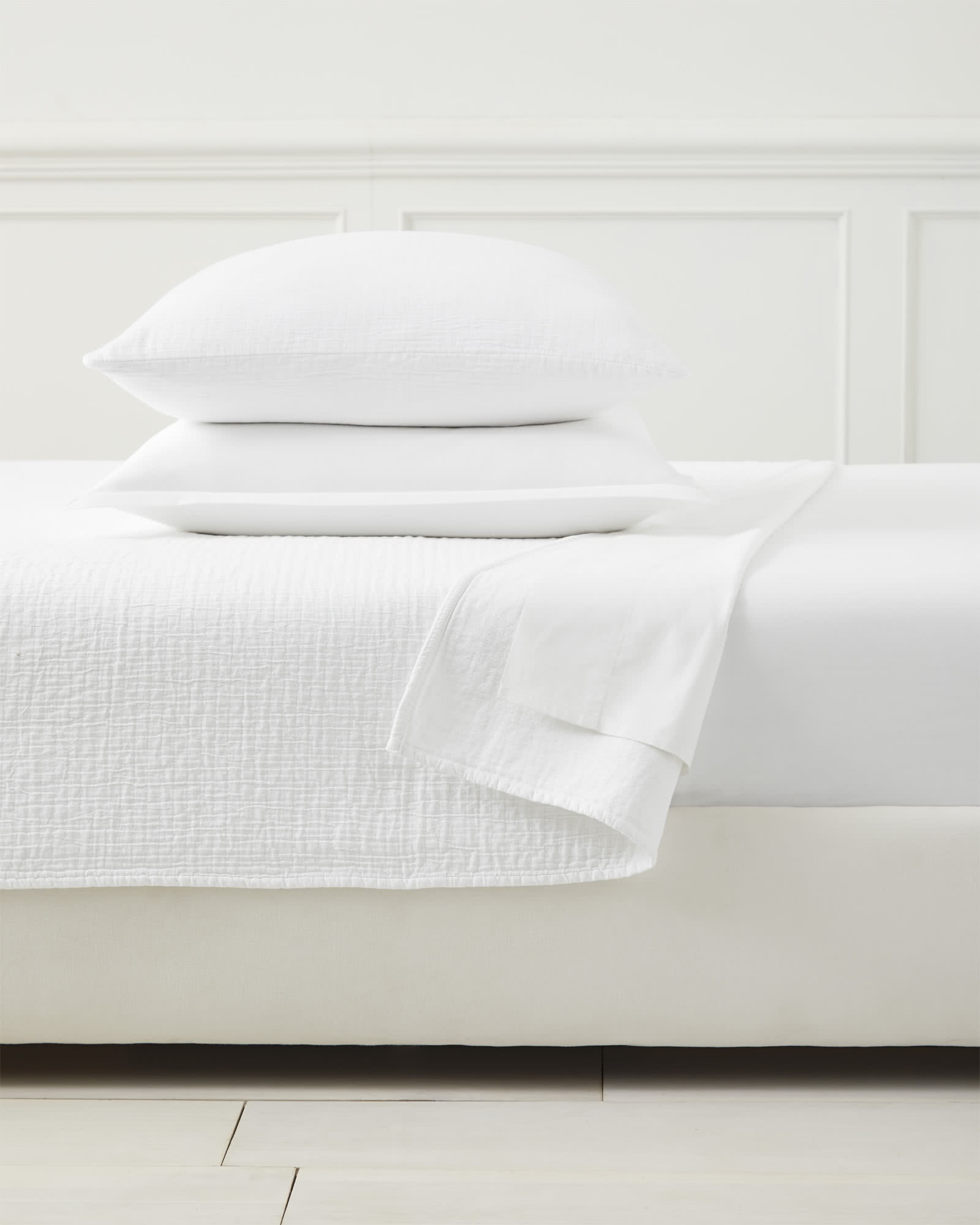 Pickstitch Matelassé Coverlet, White